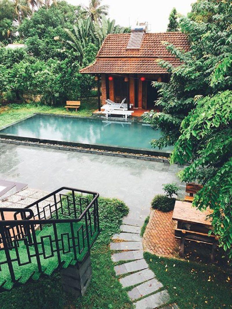 Homestay Loong Boong cực đẹp có view nhìn thẳng ra dòng sông Thu Bồn thơ mộng.